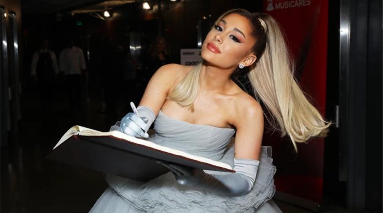 """Ариана Гранде оглави класацията на """"Билборд"""" за сингли"""