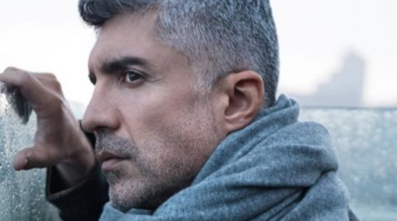 Бисексуален ли е турският секссимвол Йозджан Дениз?