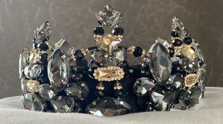 Като годината: Черна корона за новата Мис Плеймейт