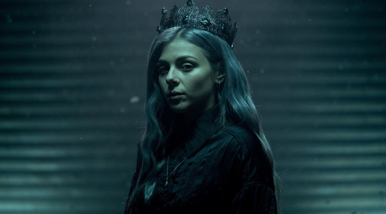 Виктория Георгиева слага короната на Евровизия