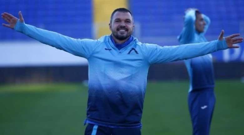 """Божинов тренира на попфолк: Всеки ден сме на """"Герена"""""""