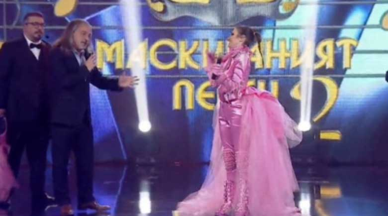 """Халваджиян разплака всички на финала на """"Маскираният певец"""""""