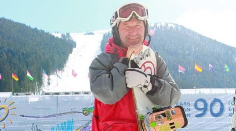 Каролев изпусна телефона си от лифта в Банско, намери го в снега след 50 часа