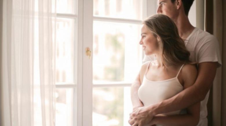 Как да подредите дома си за Нова година, за да привлечете любовта в живота си