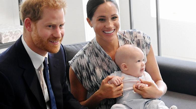 Мегън и Хари мажат бебето с българска козметика