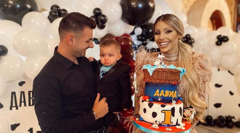 Малката Джулка поля първи рожден ден на сина си със 101 далматинци
