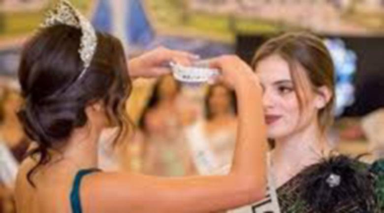 "Подгласничка на ""Мисис България"" дари короната си за болно дете"