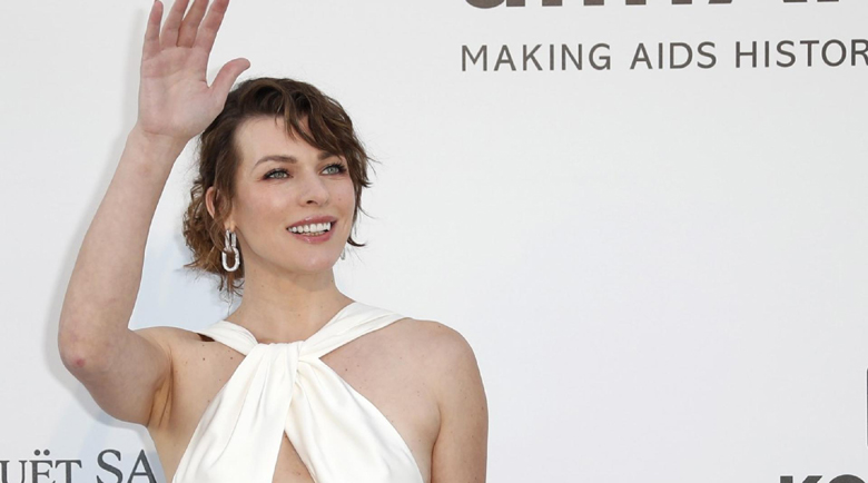 Мила Йовович възражда модната си кариера