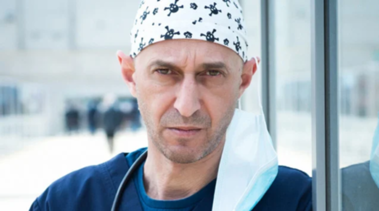 "Щурият д-р Врабчев от ""Откраднат живот"" се оженил чисто гол"