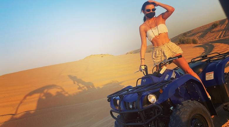 Деси Цонева подкара ATV в пустинята в Дубай