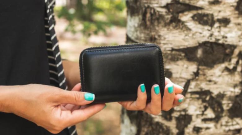 Тези предмети в портмонето привличат парите и късмета