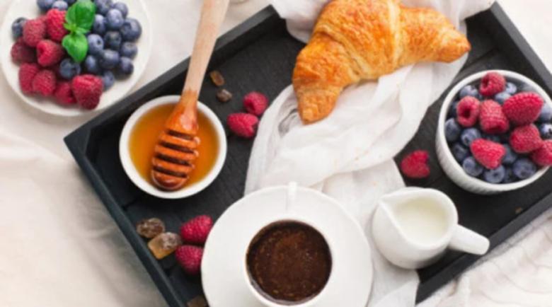 3-те романтични зодии, които ще ви носят закуската в леглото