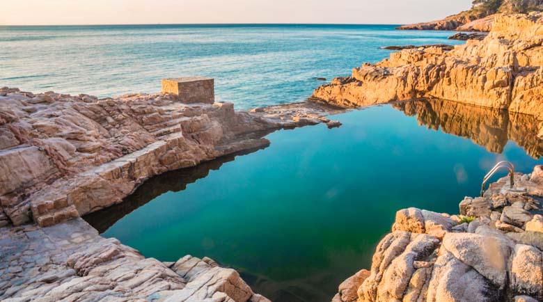 Крайбрежието с най-хубавите плажове и скрити идилични градове