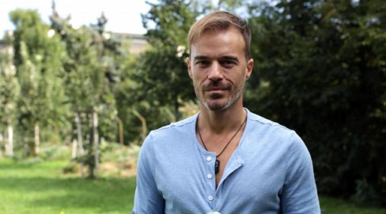 Ники Илиев играел футбол с камъни