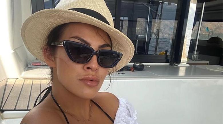 Деси Цонева избухна, фенове я нападнаха заради гърдите й