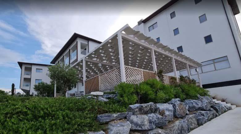 Росен Плевнелиев купи 5-звезден хотел в Гърция